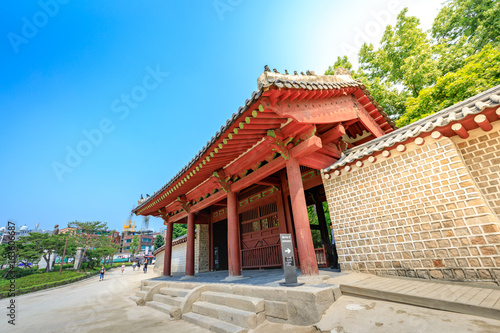 Papiers peints Seoul Gate of Jongmyo Shrine at summer on Jun 17, 2017 in Seoul, Korea