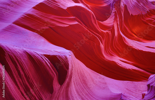 Staande foto Rood paars Antelope canyon