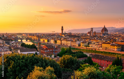 Sunset view of Florence, Ponte Vecchio, Palazzo Vecchio and Florence Duomo, Italy