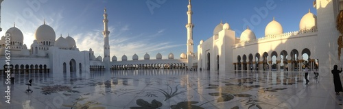 Panorama Sheikh zayed grand mosque abu dhabi UAE