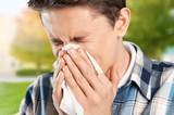 Sneezing. - 163788270