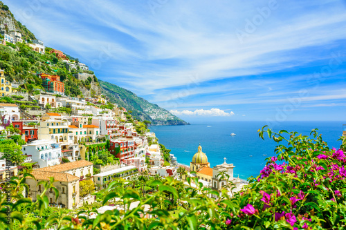 Papiers peints Naples beautiful view on Positano on Amalfi coast with blurred flowers on foreground