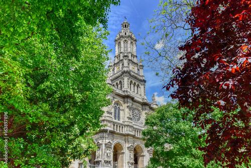 Foto op Plexiglas Groene Sainte-Trinite Church - Paris, France
