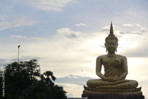 Culture and religion, action, large Wednesday In temples and landmarks