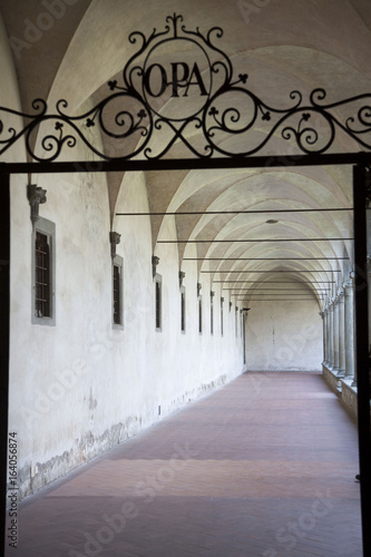 Italia,Toscana,Firenze, chiostro della chiesa di Santa Croce.