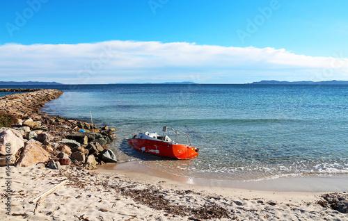 In de dag Schipbreuk beached boat