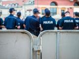 Oddział policji zabezpieczający manifestację w Warszawie.