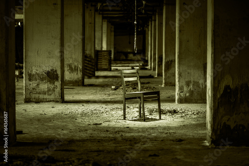 Foto op Canvas Oude verlaten gebouwen Einsam
