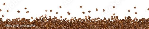 Kaffeebohnen isoliert auf weißem Hintergrund - Panorama