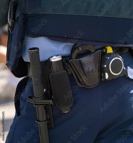 警察官 装備 Poster