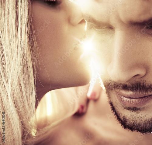 Fotobehang Konrad B. Closeup portrait of a romantic couple