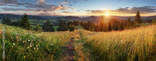 Spoed canvasdoek 2cm dik Panoramafoto s Beautiful summer panoramic landscape in mountains - Pieniny / Tatras, Slovakia