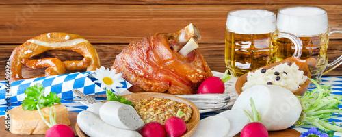 Schweinshaxe und Weißwurst mit Bier - Oktoberfest - 164539223