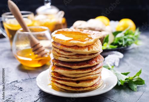 pancakes - 164700064
