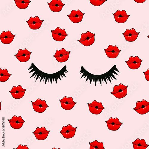 weibliche-lippen-mund-mit-einem-kuss-lacheln-zunge-zahne-und-kuss-mich-schriftzug-auf-den-hintergrund-vector-komisches-nahtloses-muster-im-pop-arten-retrostil-abstraktes-nahtloses-muster-fur-madchen-jungen-kleidung