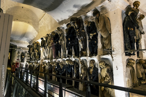 Deurstickers Palermo Burial in the catacombs of the Capuchins in Palermo . Sicily
