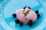 Ice cream of black currant and berries - 165020075