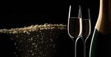 Champagner-Motiv vor Schwarz - 165195412