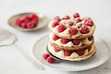 Millefeuille with vanilla cream and raspberry - 165209027