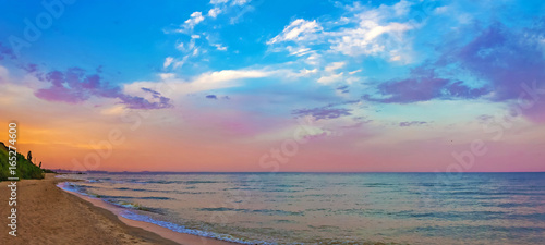Foto op Canvas Zee zonsondergang Panorama of the sea shore at sunset, soft pastel colors, nature background