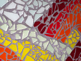 Bunte Mosaiksteine in Putz verlegt - 165298679