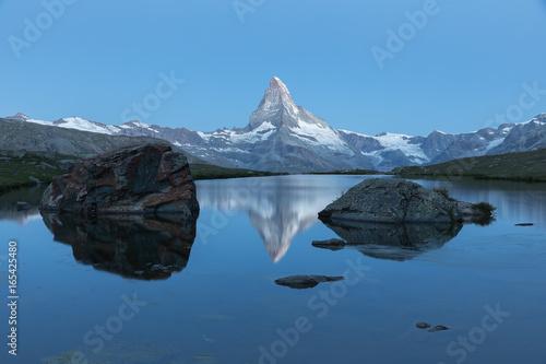 In de dag Bergen Stellisee, Bergsee in Zermatt