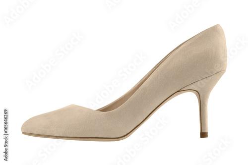 Naturalny beżowy zamszowy kolec szpilek but odizolowywający na bielu