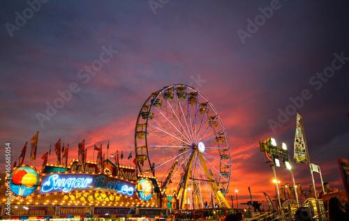 Tuinposter Amusementspark State Fair sunset