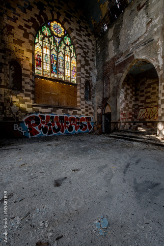 Deurstickers New York Broken Stained Glass Windows & Collapsing Floor - Abandoned Church