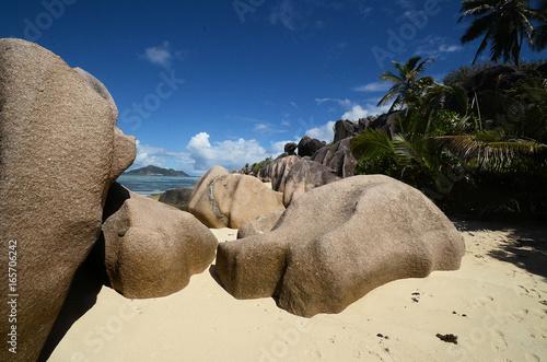 Staande foto Beige Plage de La Digue aux Seychelles
