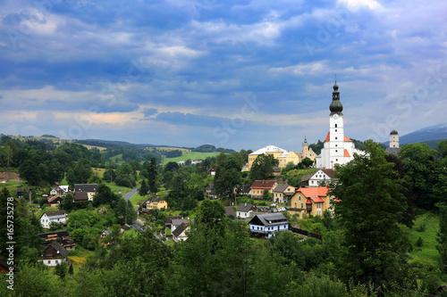 Poster Krajobraz wiejski z lotu ptaka, Branna w Czechach.