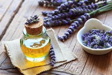Lavendelöl aus echtem Lavendel