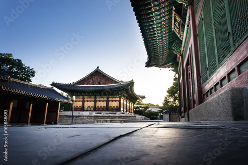 Foto op Plexiglas Seoel temple in central seoul in south korea in the evening