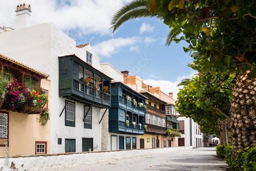 Deurstickers Canarische Eilanden Beautiful balconies at Santa Cruz de La Palma
