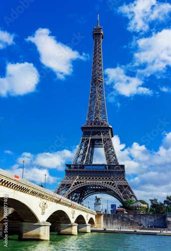Tuinposter Parijs View of Eiffel tower and river