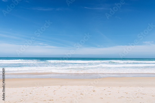 Foto op Plexiglas Tropical strand Sea view from tropical beach with sunny sky