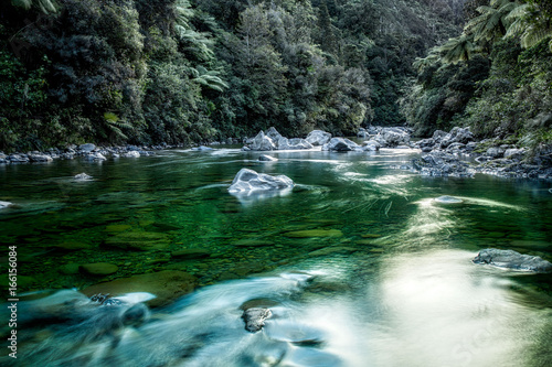 Keuken foto achterwand Olijf Green waters of Kaitoki