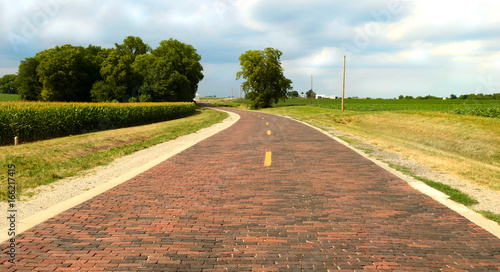 Foto op Aluminium Route 66 Original section of brick road on Route 66 near Auburn, Illinois