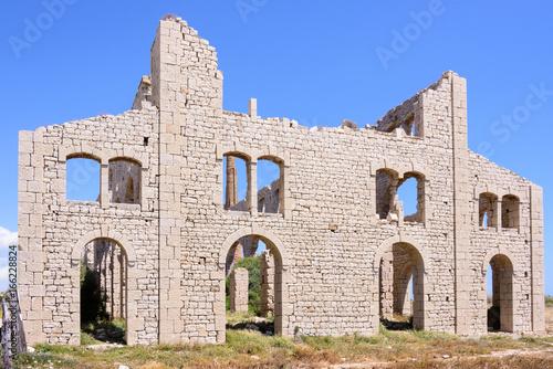 Foto op Aluminium Oude verlaten gebouwen Sampieri Ruine der alten Ziegelei