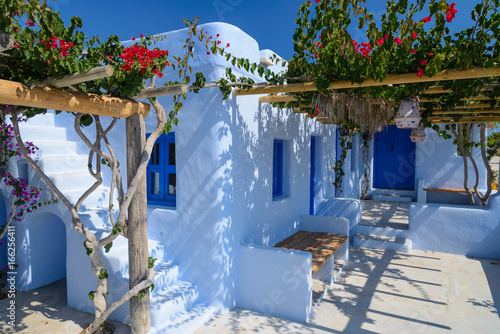 Traditional greek house in Cyclades, Greece © great_photos