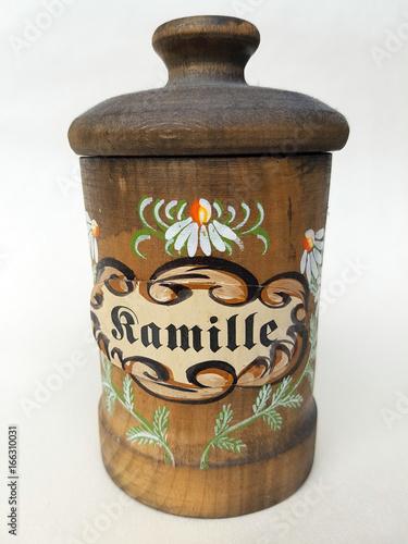 Leinwanddruck Bild Teedose, Tee, Kamille, Chamomilla recutita; Dose