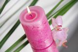 Fototapety Dekoration aus Kerze, Orchidee und Schilf