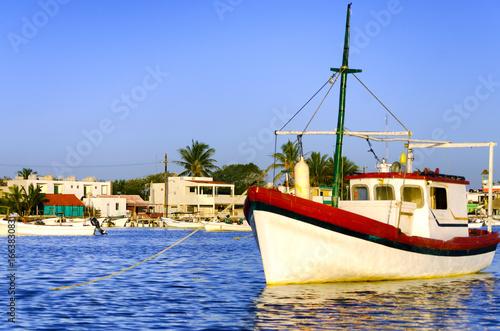 Tuinposter Rio de Janeiro Old Boats in Rio Lagartos
