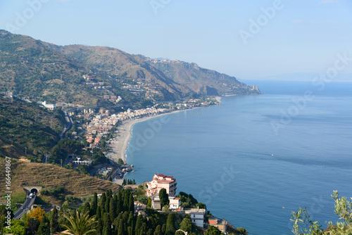 Póster Taormina Küste von Letojanni und die Straße von Messina