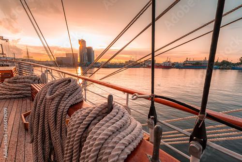Zdjęcia na płótnie, fototapety na wymiar, obrazy na ścianę : Yacht port in Gdynia