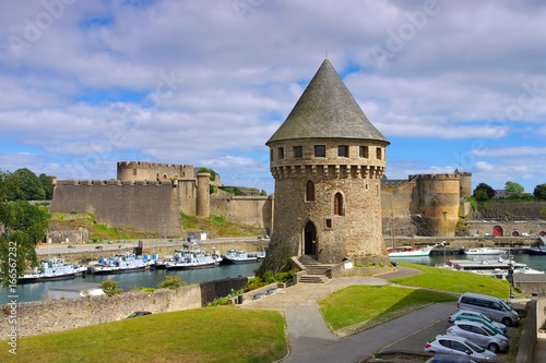 canvas print picture Brest Burg in der Bretagne, Frankreich - Brest castle and Tanguy tower in Brittany