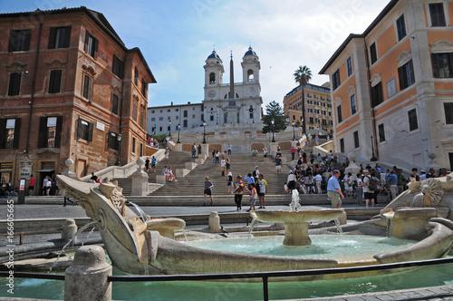 Roma, piazza di Spagna - Trinità dei Monti e la barcaccia Poster