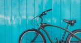 Miasto Rowery Zaparkowane Blisko Błękitną ścianę, Styl życia Styl życia Urbanistyki