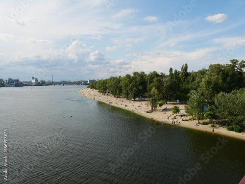 Une plage sur l'île Trukhanov, à Kiev