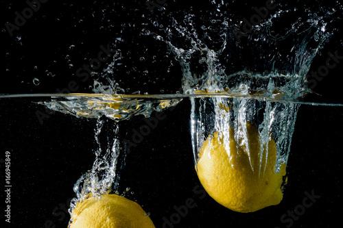 Lemon splashes - 166945849